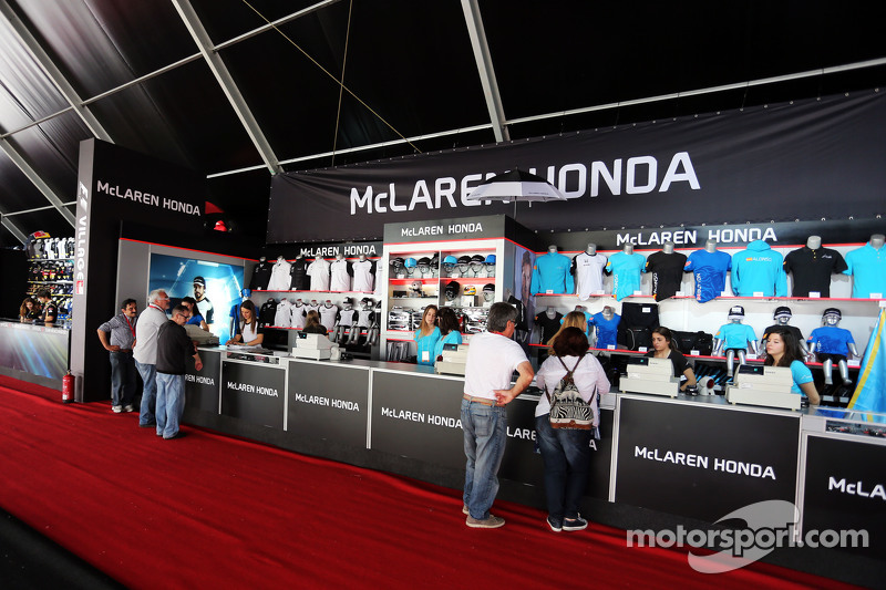 Mclaren merchandise stand at spanish gp for Mercedes benz f1 shop