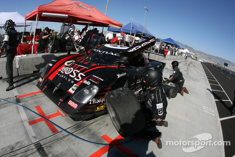 Arrêt au stand pour #4 Howard - Boss Motorsports Pontiac Crawford: Andy Wallace, Butch Leitzinger