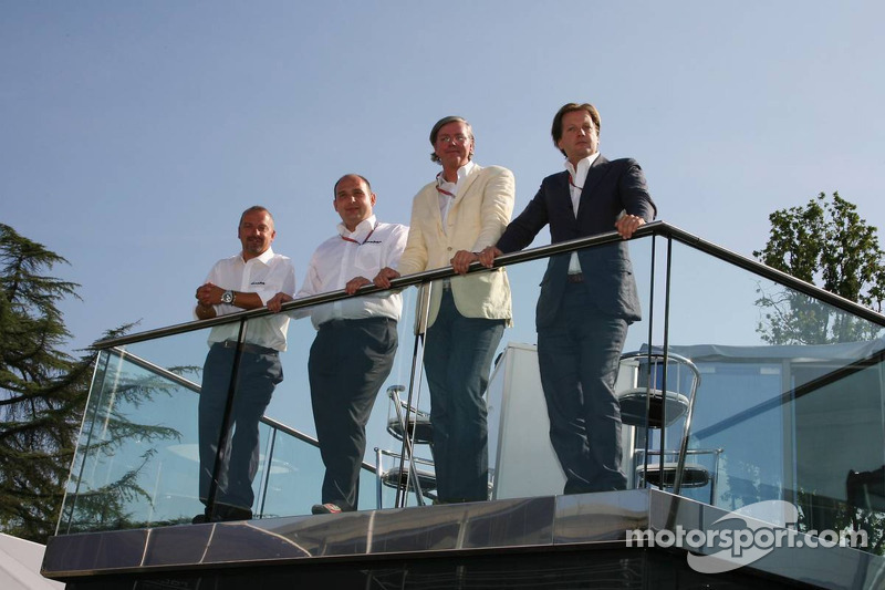Spyker MF1 Racing press conference: Mike Gascoyne, Spyker MF1 Racing, Chief Technology Officer, Colin Kolles, Spyker MF1 Racing , Team Principal, Victor R. Muller, Chief Executive Officer of Spyker Cars N.V. and Spyker MF1 Racing, Michiel Mol, future Dire