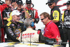 Steve and Rusty Wallace are interviewed by Speed Channel