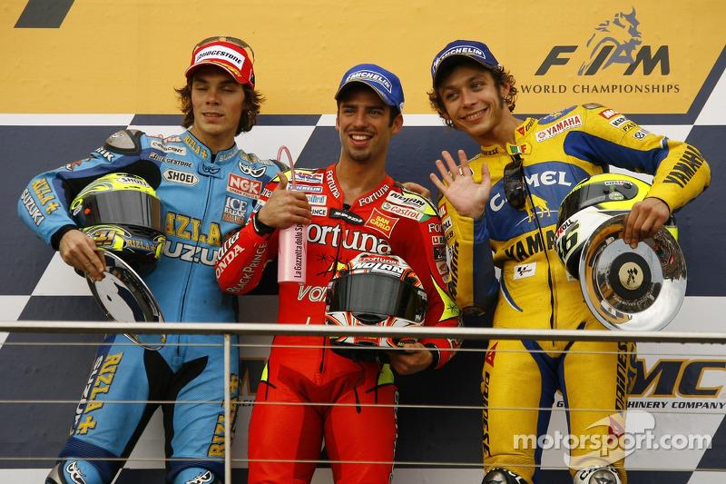 Podio: 1º Marco Melandri, 2º Vermeulen, 3º Valentino Rossi