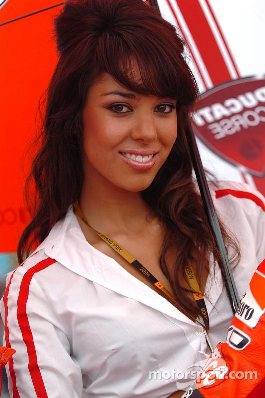 Chica Ducati