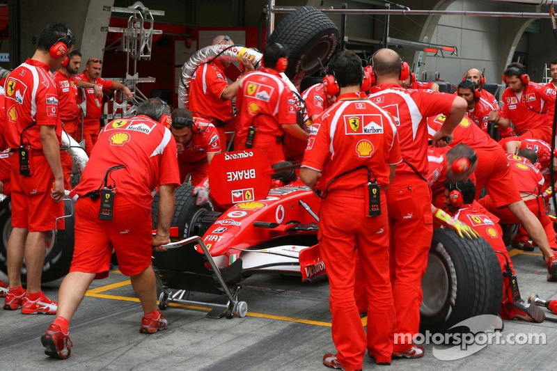 Scuderia Ferrari práctica pitstops