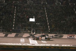 Checkered flag for Clint Bowyer