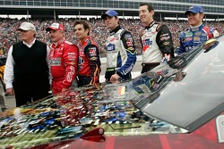 Rick Hendrick and Hendrick Motorsports teammates Terry Labonte, Jeff Gordon, Jimmie Johnson, Kyle Busch and Brian Vickers pose for a photo