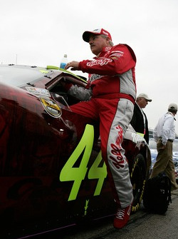 Terry Labonte climbs in his car for the final race of his career