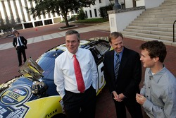 Florida Governor Jeb Bush, Rusty Wallace and Kasey Kahne talk during the NASCAR NEXTEL Cup Series trophy tour at the Florida state capitol