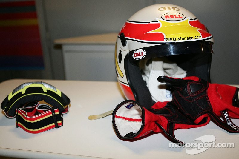 Helmet and gloves of Tom Kristensen