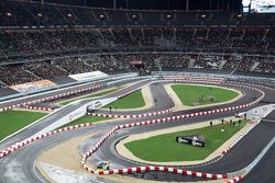Semi final: Sébastien Bourdais 'modifies' the track