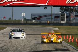 #7 Penske Motorsports Porsche RS Spyder: Helio Castroneves