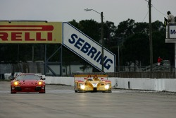 #62 Risi Competizione Ferrari 430 GT Berlinetta: Mika Salo, Jamie Melo, #7 Penske Racing Porsche RS Spyder: Sascha Maassen