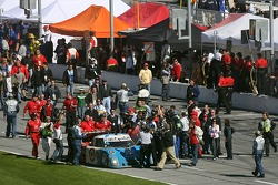 Victory celebration for #01 TELMEX Chip Ganassi with Felix Sabates Lexus Riley: Scott Pruett, Salvador Duran, Juan Pablo Montoya