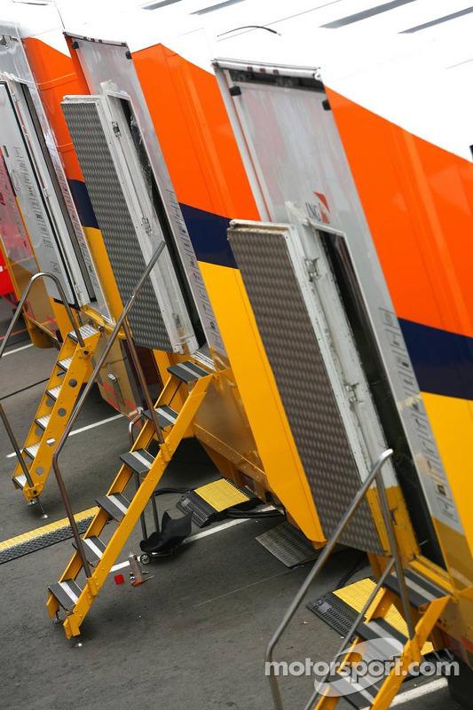 Lastwagen des Renault F1 Teams