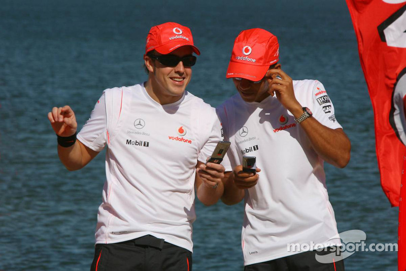 Fernando Alonso, McLaren Mercedes, y Lewis Hamilton, McLaren Mercedes - Evetno de Vodafone  McLaren Mercedes