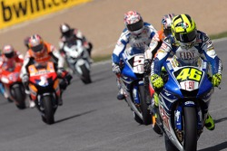 Start: Valentino Rossi takes the lead