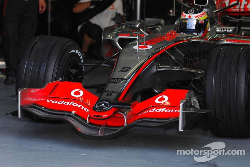 Front wing of McLaren Mercedes, MP4-22