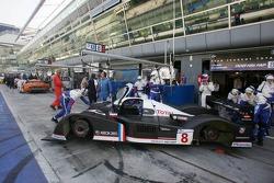 Peugeot Total pit area