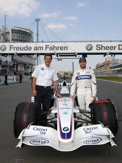 Dr. Mario Theissen, BMW Sauber F1 Team, BMW Motorsport Director and Nick Heidfeld, BMW Sauber F1 Team
