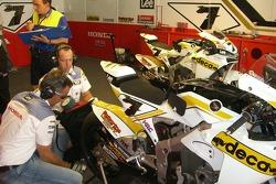 Team LCR pitbox