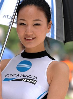 A lovely Konica Minolta Honda girl