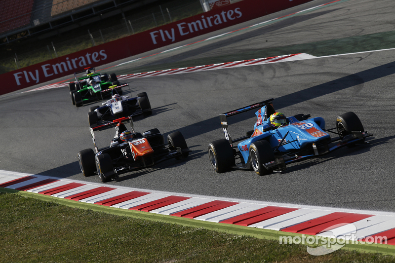 Pal Varhaug, Jenzer Motorsport leads Oscar Tunjo, Trident
