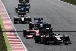Nick Yelloly, Hilmer Motorsport, vor Sergio Canamasas, MP Motorsport