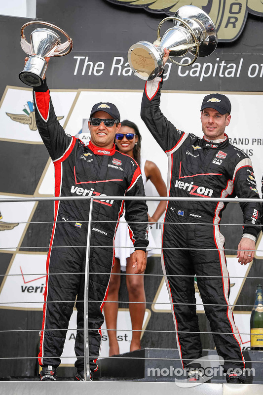 Podium: Third place Juan Pablo Montoya, Team Penske Chevrolet and race winner Will Power, Team Penske Chevrolet