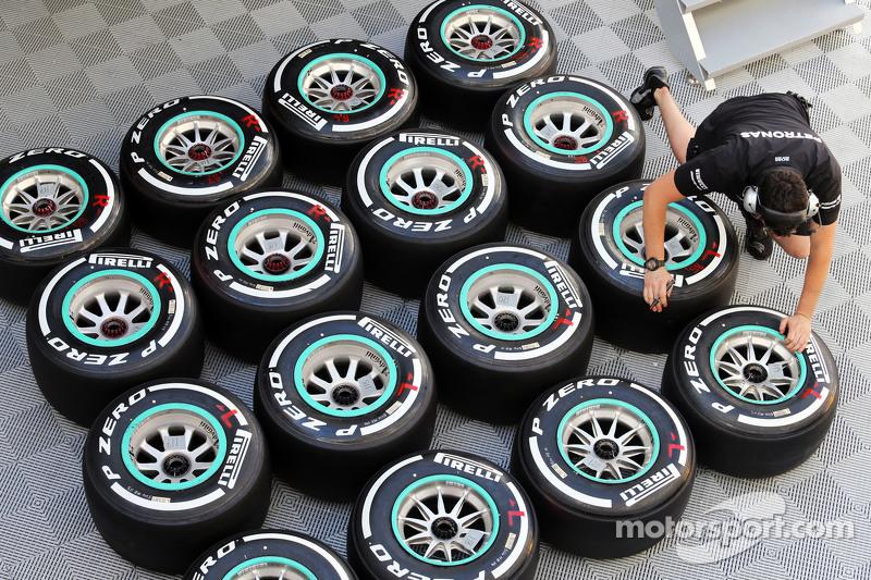 倍耐力轮胎和一位梅赛德斯AMG车队机械师