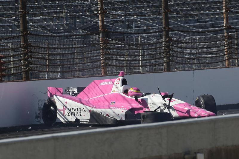 Pippa Mann, Dale Coyne Racing, Honda, mit heftigem Unfall
