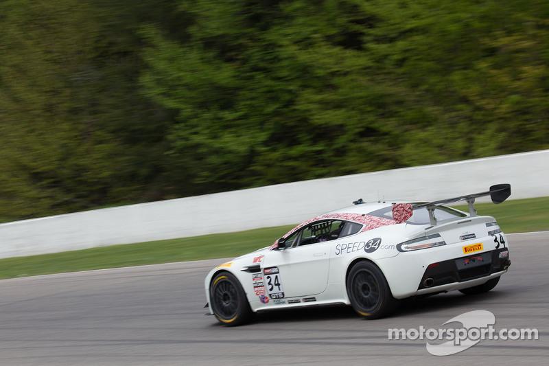 #34 Stephen Cameron Racing, Aston Martin Vantage GT4: Nick Esayian