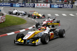 Arjun Maini, Van Amersfoort Racing Dallara Volkswagen and Felix Rosenqvist, Prema Powerteam Dallara Mercedes-Benz