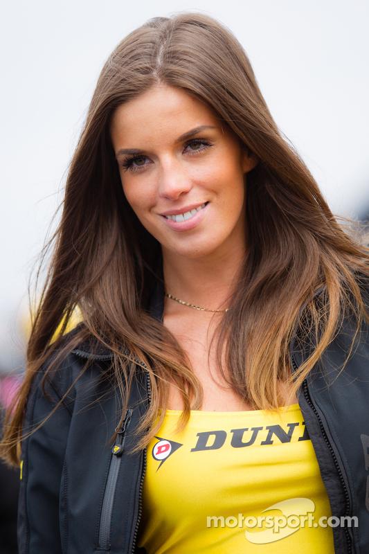 Ein bezauberndes Dunlop-Girl