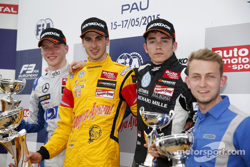 Race 3 Podium: second place Maximilian Günther, Mücke Motorsport and winner Antonio Giovinazzi, Jagonya Ayam with Carlin and third place Charles Leclerc, Van Amersfoort Racing