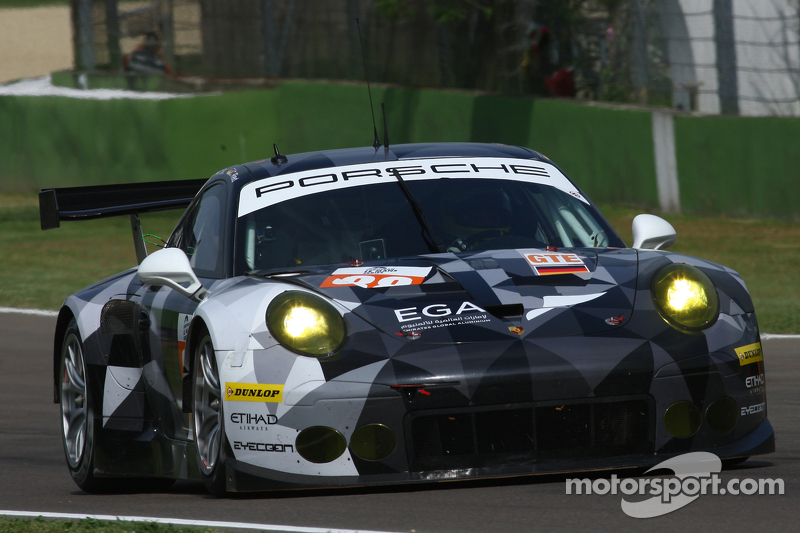#88 Proton Competition Porsche 911 RSR: Річард Літц, Marco Mapelli, Крістіан Рід