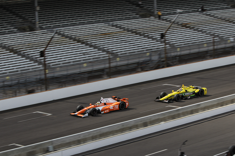 Simona de Silvestro, Andretti Autosport, Honda, und Sage Karam, Chip Ganassi Racing, Chevrolet