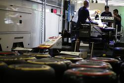 Campos Racing prepare on ir cars