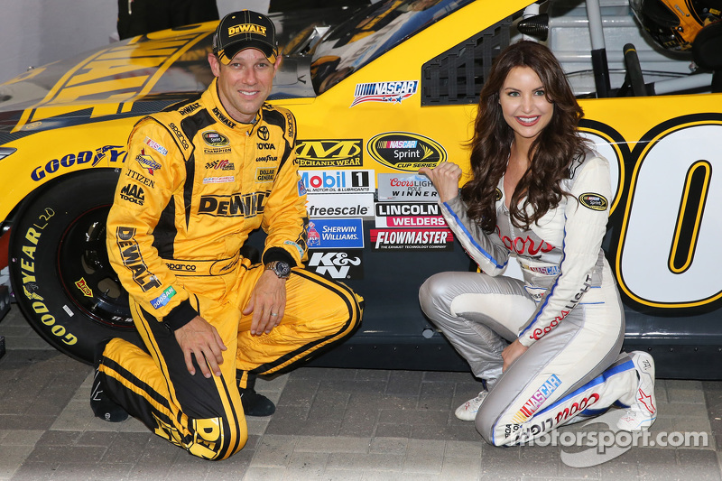Polesitter Matt Kenseth, Joe Gibbs Racing Toyota with Miss Coors Light