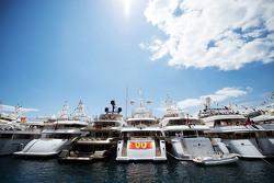 Boten in de haven van Monaco