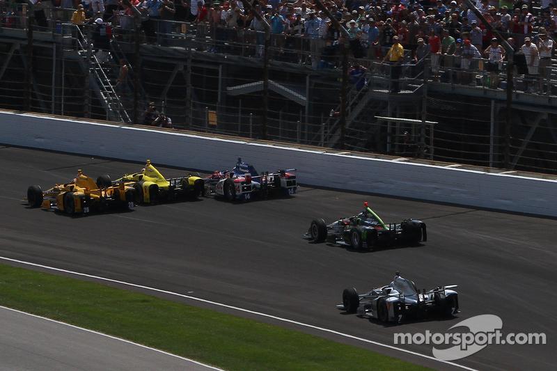 Sage Karam, Chip Ganassi Racing, Chevrolet, und Takuma Sato, A.J. Foyt Enterprises, mit Unfall