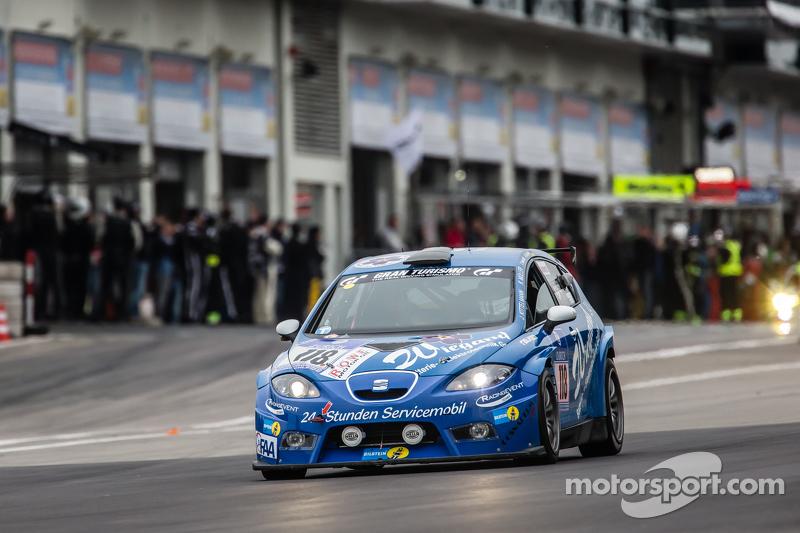 #118 Mathol Racing, SEAT Leon Supercopa: Jörg Kittelmann, Klaus-Dieter Müller, Thomas Heimrich, Artur Goroyan