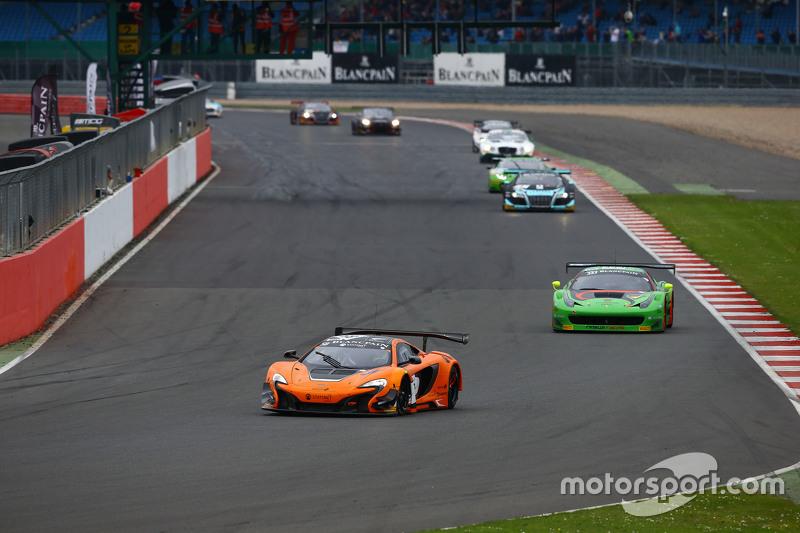 #58 Von Ryan Racing McLaren 650S: Шейн ван Гісберген, Robert Bell, Кевін Естре