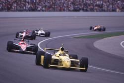 Scott Goodyear, Panther Racing devant un groupe