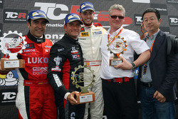 Podium: race winner Gianni Morbidelli, West Coast Racing, second place Jordi Gene, SEAT Leon, Craft Bamboo Racing LUKOIL, third place Fernando Monje, Opel Astra OPC, Campos Racing