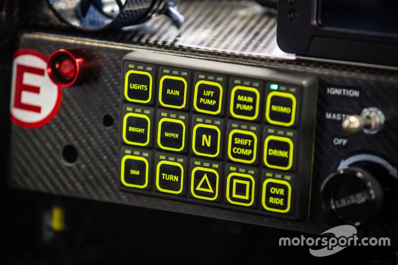 #22 Nissan Motorsports detail kokpit Nissan GT-R LM NISMO
