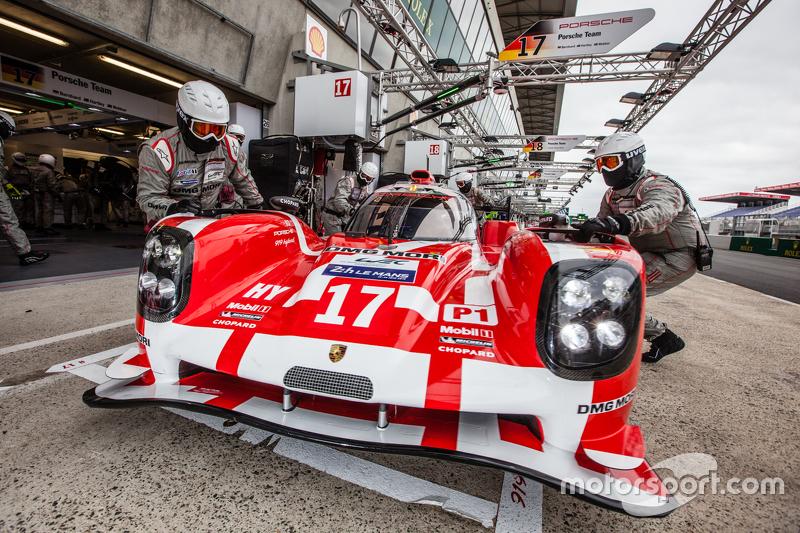 #17 Porsche Team, Porsche 919 Hybrid: Timo Bernhard, Mark Webber, Brendon Hartley, Frédéric Makowiecki