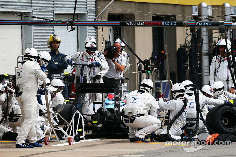 Felipe Massa, Williams FW37, beim Boxenstopp