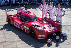 Nissan GT-R LM NISMO №22, Nissan Motorsports: Гарри Тинкнелл, Алекс Банкомб, Михаэль Крумм