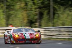 #61 AF Corse Ferrari 458 GTE: Питер Эшли-Манн, Рафаэле Джанмария, Маттео Крессони