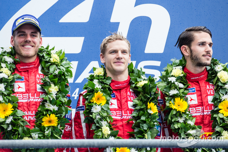 LMP1-Privatier-Podium: Klassensieger #13 Rebellion Racing, Rebellion R-One: Dominik Kraihamer, Daniel Abt, Alexandré Imperatori