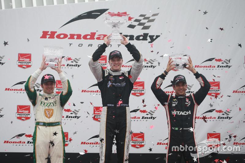 Podium: 1. Josef Newgarden, CFH Racing, Chevrolet; 2. Luca Filippi, CFH Racing, Chevrolet, und 3. Helio Castroneves, Team Penske, Chevrolet